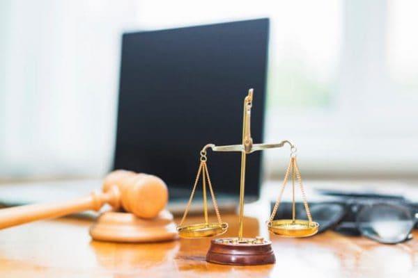 بهترین وکیل_کلاهبرداری در مشهد